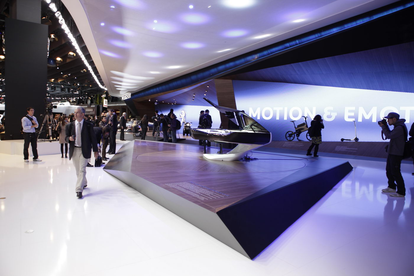 Salon de paris 2012 news peugeot design lab for Salons de paris